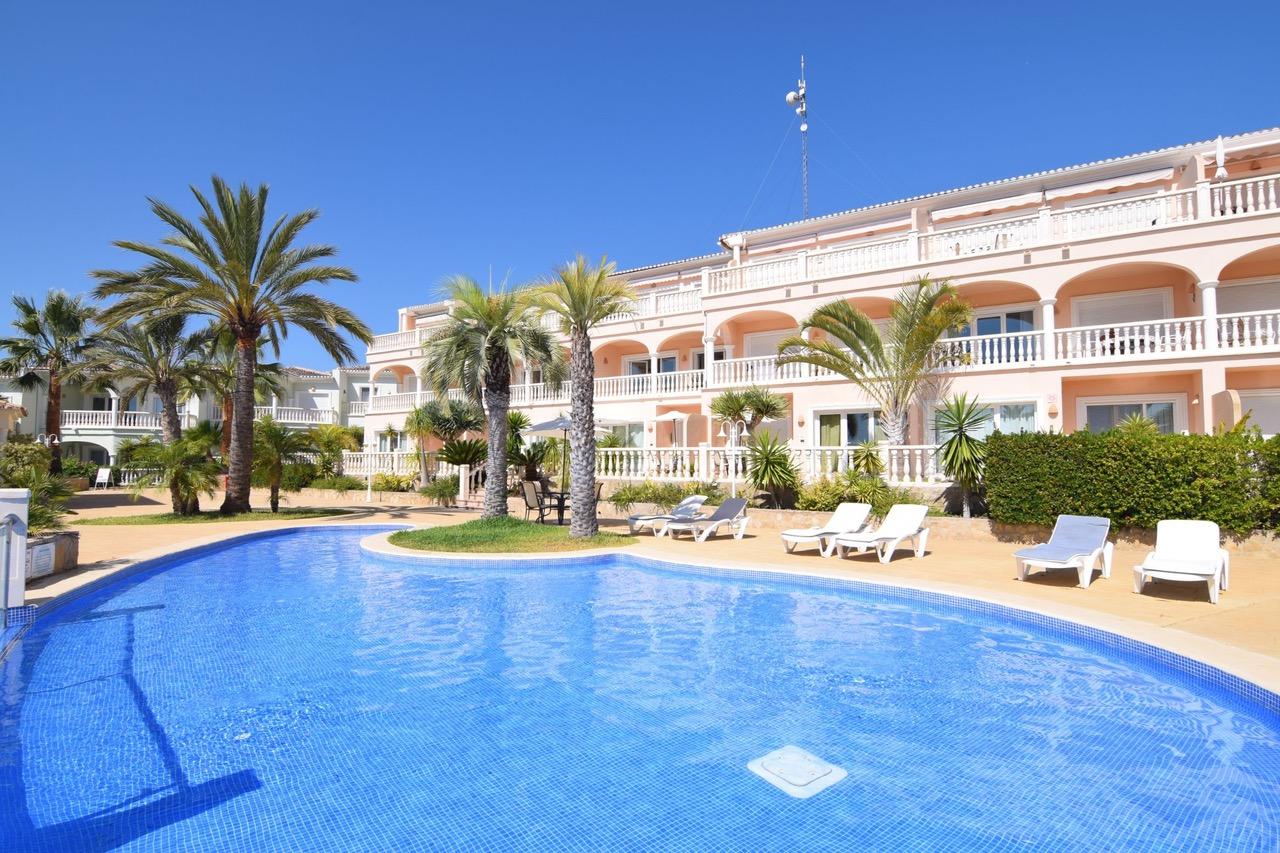 Apartamento de 1 dormitorio en el exclusivo complejo residencial en Benissa Urb.La Fustera en alquiler a largo plazo.