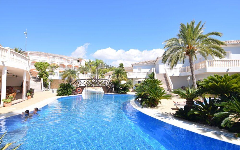 Apartement avec 2 chambres dans un complexe résidentiel exclusif à Benissa Urb.La Fustera à louer à long terme